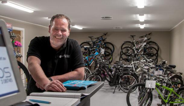 Rune Løtvedt, daglig leder ved sykkelverkstedet og arbeidstilbudet Pedalen i Sarpsborg
