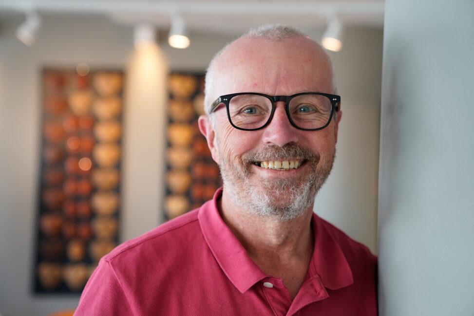 Egil Arnsby i Kirkens Bymisjon Bodø som har ansatt papirløse
