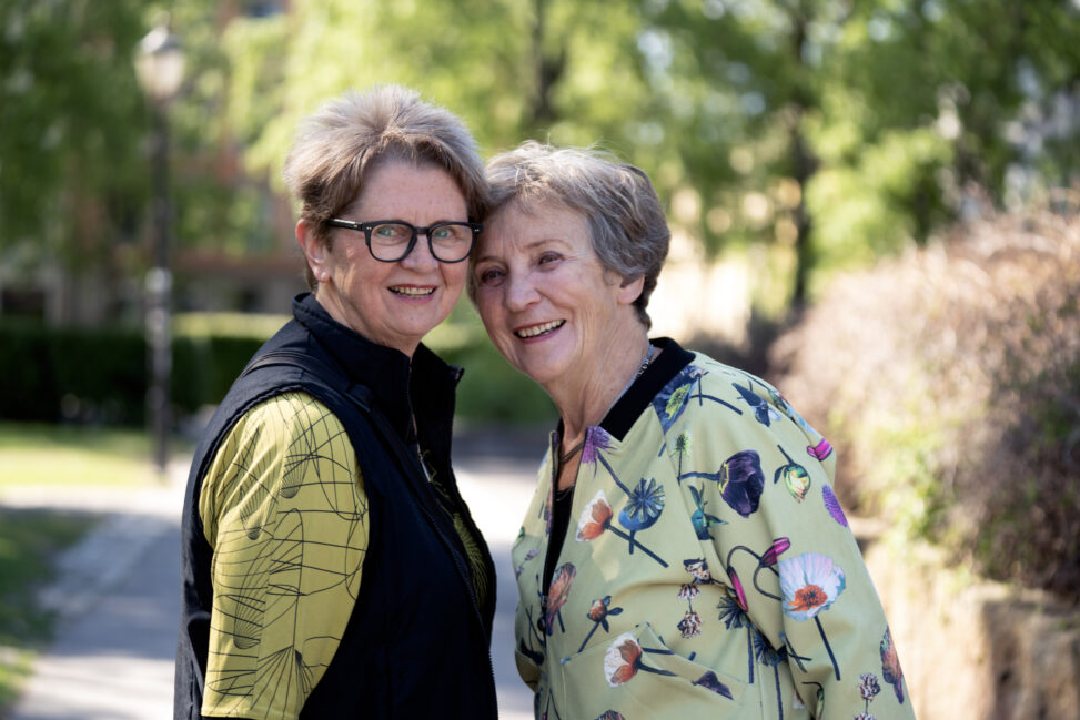 Skeive eldre - Anbjørg (70) og Sylvi (71) har gått fra forbudt kjærlighet til at kjærligheten dem imellom blir hyllet